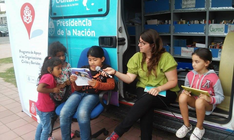 Bibliomóvil en Plaza Jeronimo del Barco